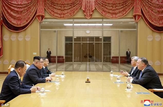 Trieu Tien cong bo hinh anh ong Kim Jong-un cuoi rang ro tiep Ngoai truong My hinh anh 2