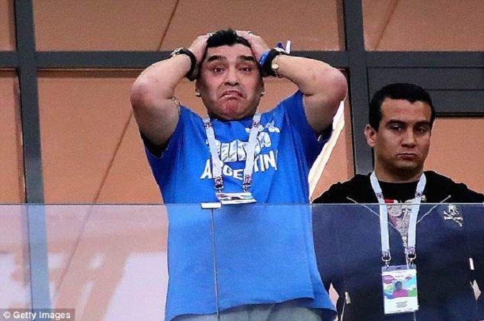Bieu cam cua 'cau be vang' Maradona khi Argentina thua Croatia cay dang hinh anh 8