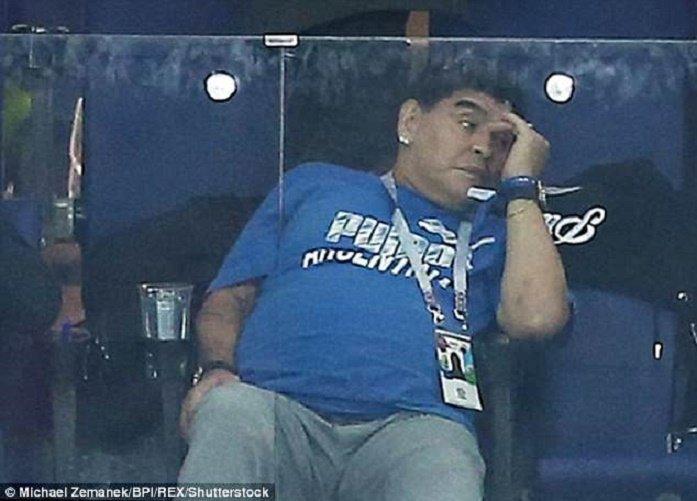 Bieu cam cua 'cau be vang' Maradona khi Argentina thua Croatia cay dang hinh anh 9