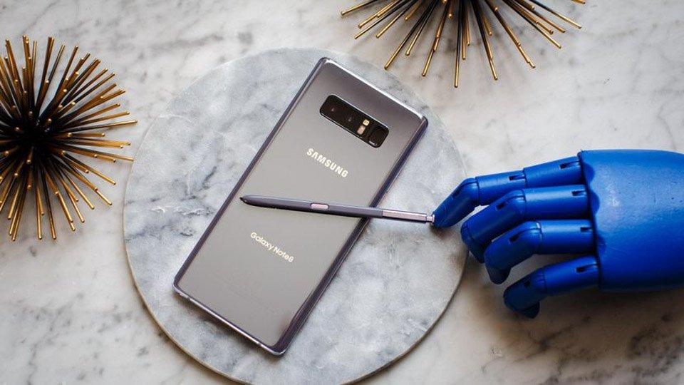 iPhone X va Samsung Galaxy Note 8: San pham nao dang mua? hinh anh 2