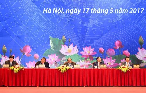 TOAN CANH: Hoi nghi Thu tuong doi thoai voi cong dong doanh nghiep 2017 hinh anh 2