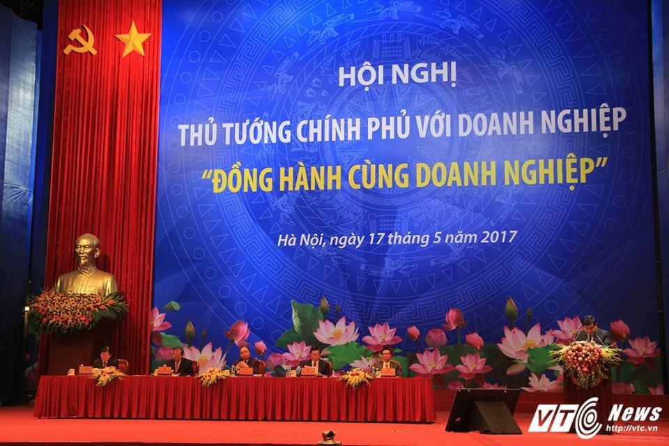 TOAN CANH: Hoi nghi Thu tuong doi thoai voi cong dong doanh nghiep 2017 hinh anh 16