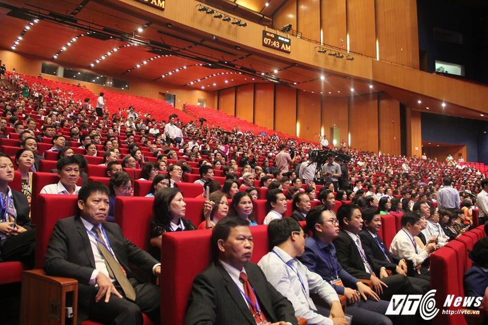 TOAN CANH: Hoi nghi Thu tuong doi thoai voi cong dong doanh nghiep 2017 hinh anh 13