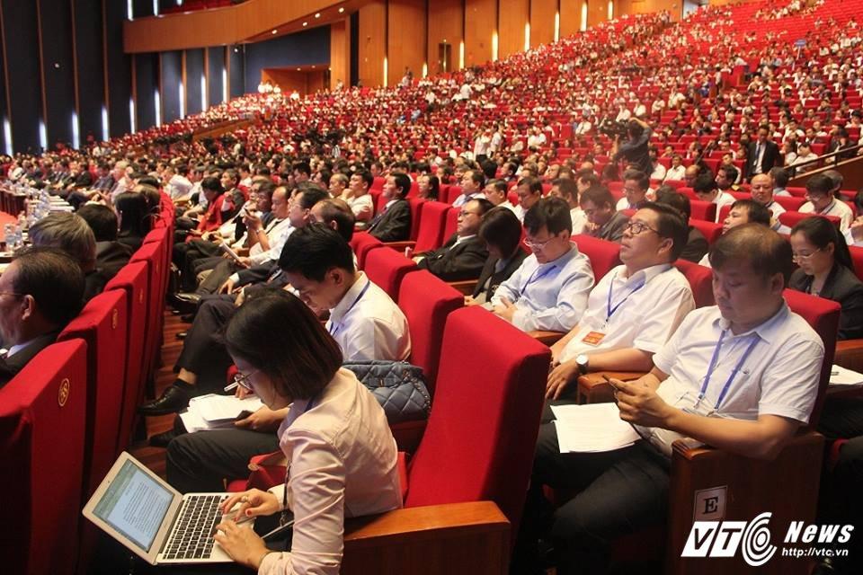 TOAN CANH: Hoi nghi Thu tuong doi thoai voi cong dong doanh nghiep 2017 hinh anh 14