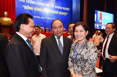 TOAN CANH: Hoi nghi Thu tuong doi thoai voi cong dong doanh nghiep 2017 hinh anh 8