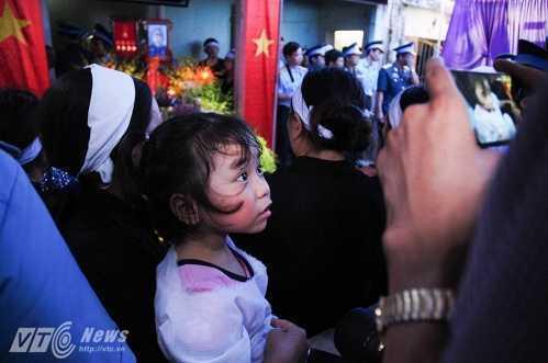 Bo phi cong Tran Quang Khai: 'Bay gio Khai mai mai la cua bau troi roi' hinh anh 5