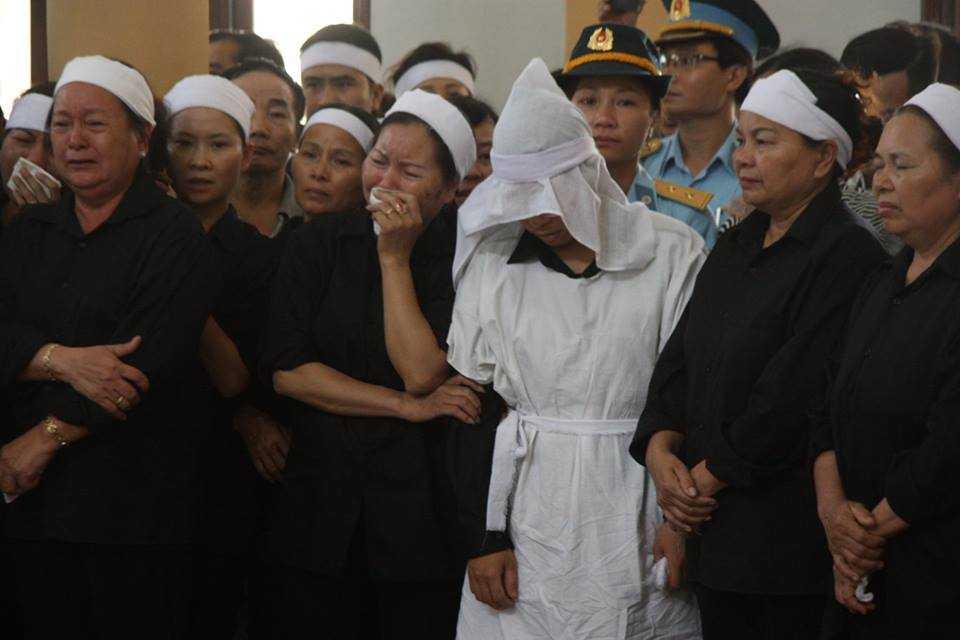 Nghen ngao phut cuoi tien dua Dai ta Tran Quang Khai ve coi vinh hang hinh anh 4