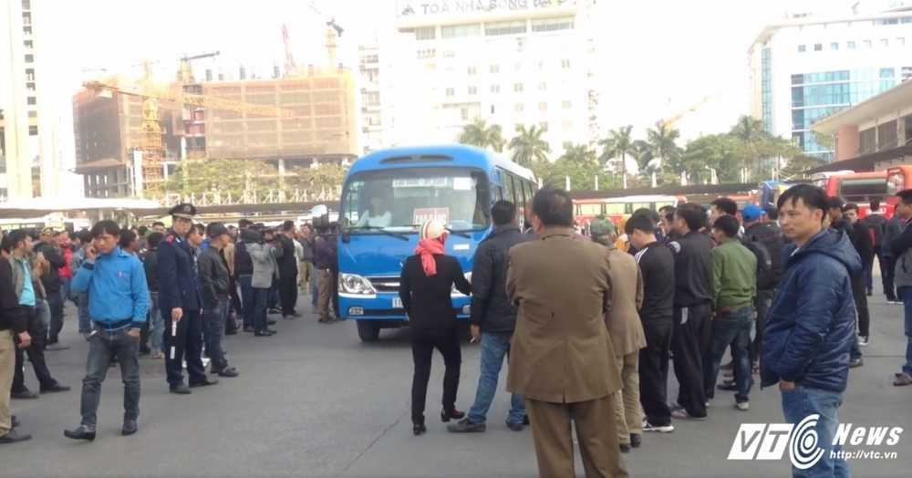 So GTVT Ha Noi: 'Dieu chuyen luong tuyen xe khach khong co loi ich nhom' hinh anh 1