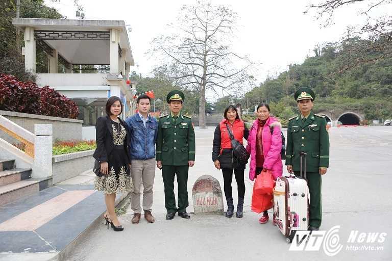 Co gai bi lua ban sang Trung Quoc 16 nam da ve den Viet Nam hinh anh 4