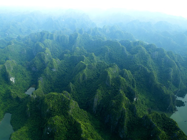 Anh: Boi canh 'Kong: Skull Island' dep ngo ngang khi nhin tu tren cao hinh anh 7