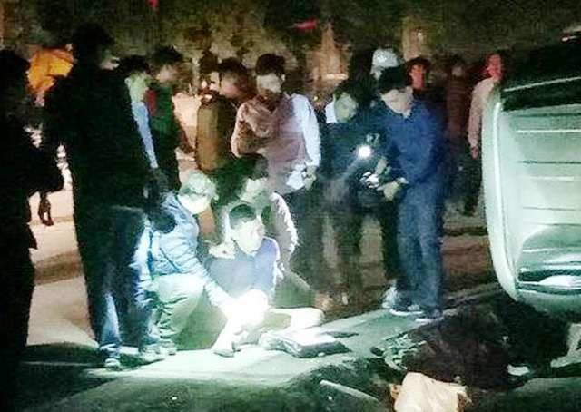 Video: Sung no lien hoi bat xe Fortuner cho 100 banh heroin tai Hoa Binh hinh anh 2