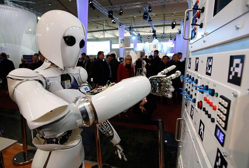 'Robot cuop viec': Xu the tat yeu, nhung dang lo ngai hinh anh 2
