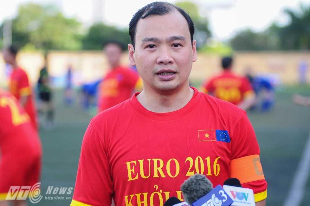 Tran cau nay lua giua Bo Ngoai giao Viet Nam va cac Dai su quan chau Au mung EURO 2016 hinh anh 1