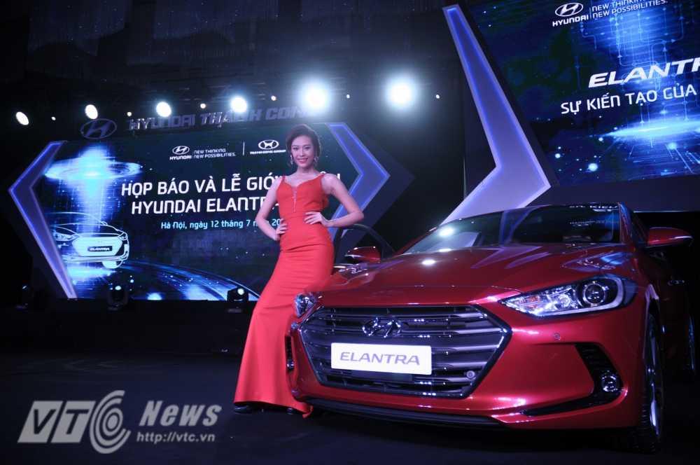 Can canh Hyundai Elantra phien ban 2016 hinh anh 1