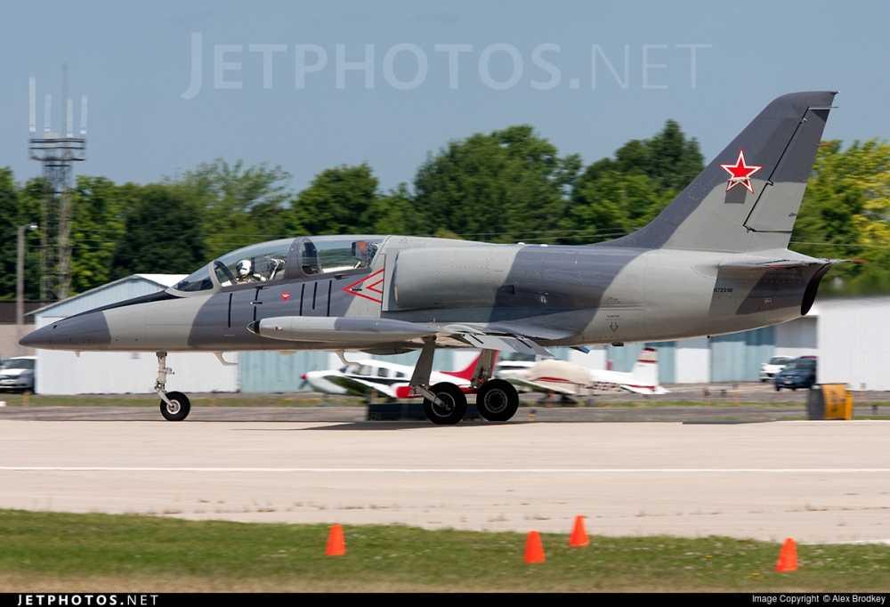 Can canh may bay huan luyen Aero L-39 Albatros hinh anh 5