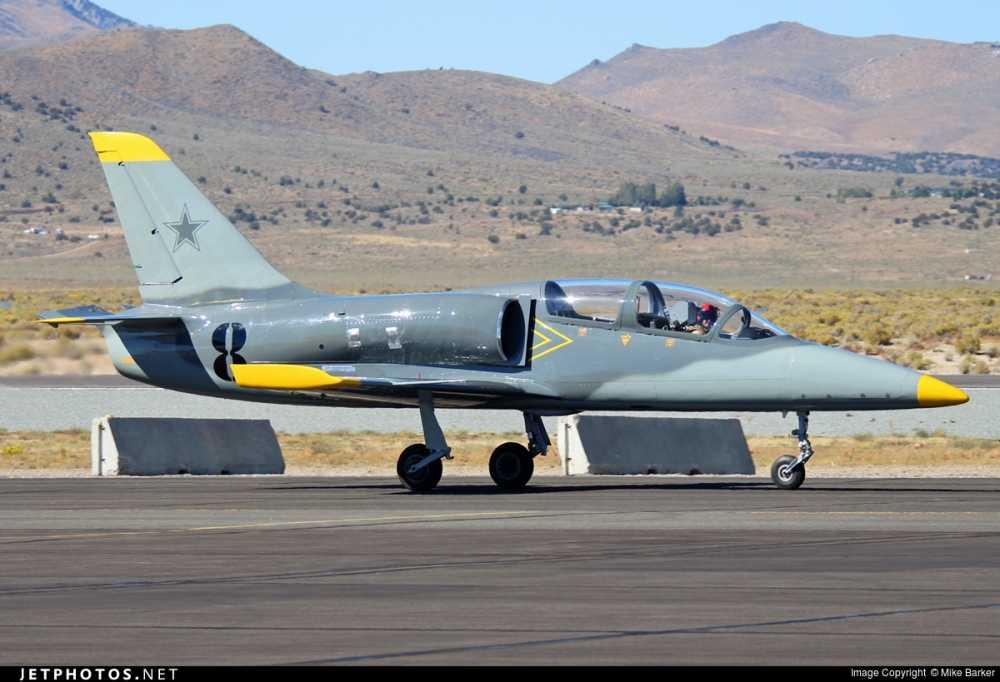 Can canh may bay huan luyen Aero L-39 Albatros hinh anh 7