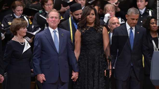 Tinh ban dac biet cua Michelle Obama va cuu Tong thong Bush hinh anh 6