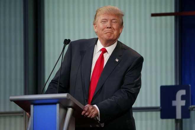 Nu nha bao xinh dep to Trump quay roi tinh duc hinh anh 2