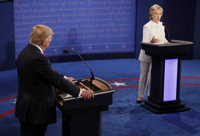 Ket qua tranh luan bau cu Tong thong My lan 3: Clinton goi Trump la con roi cua Putin hinh anh 12