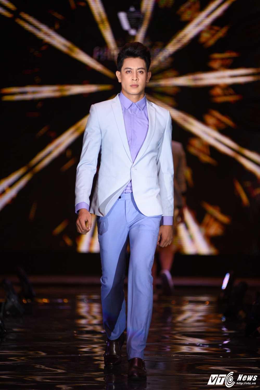 Dem thoi trang Phan Nguyen: Phong cach tre trung lich lam len ngoi hinh anh 9