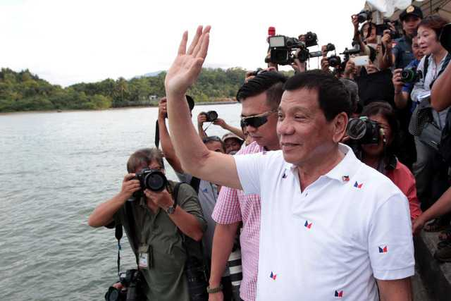 Viet Nam hoan nghenh Tong thong Philippines giai quyet nhan dao van de ngu dan hinh anh 2