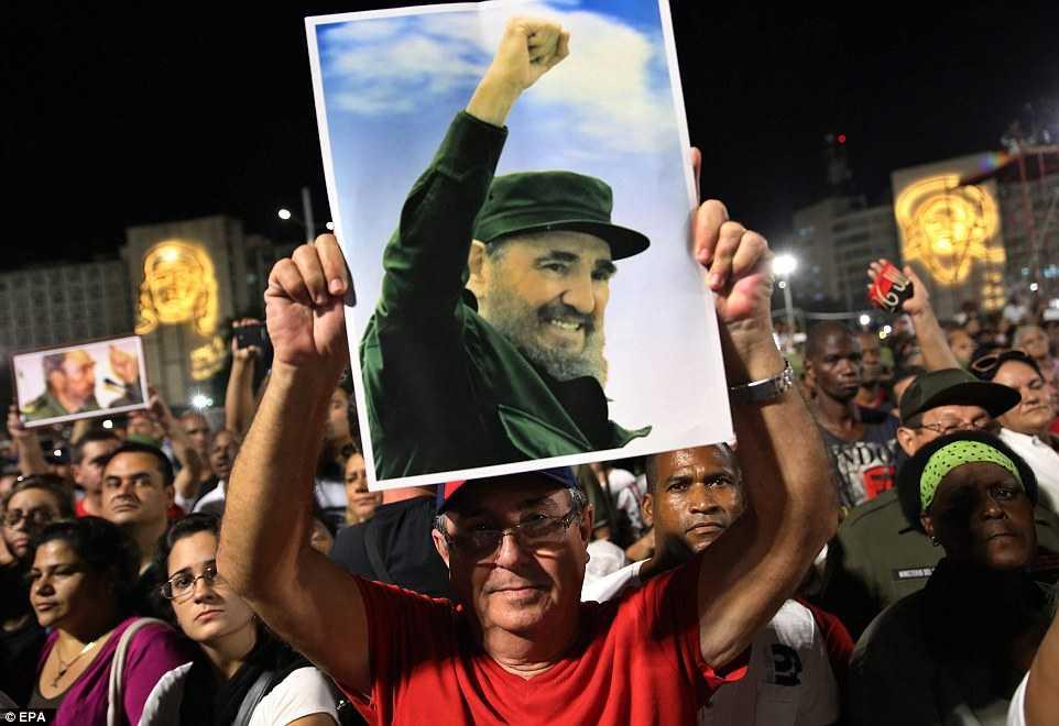 Hang chuc ngan nguoi tham gia le tuong niem lanh tu Fidel Castro tai Havana hinh anh 1