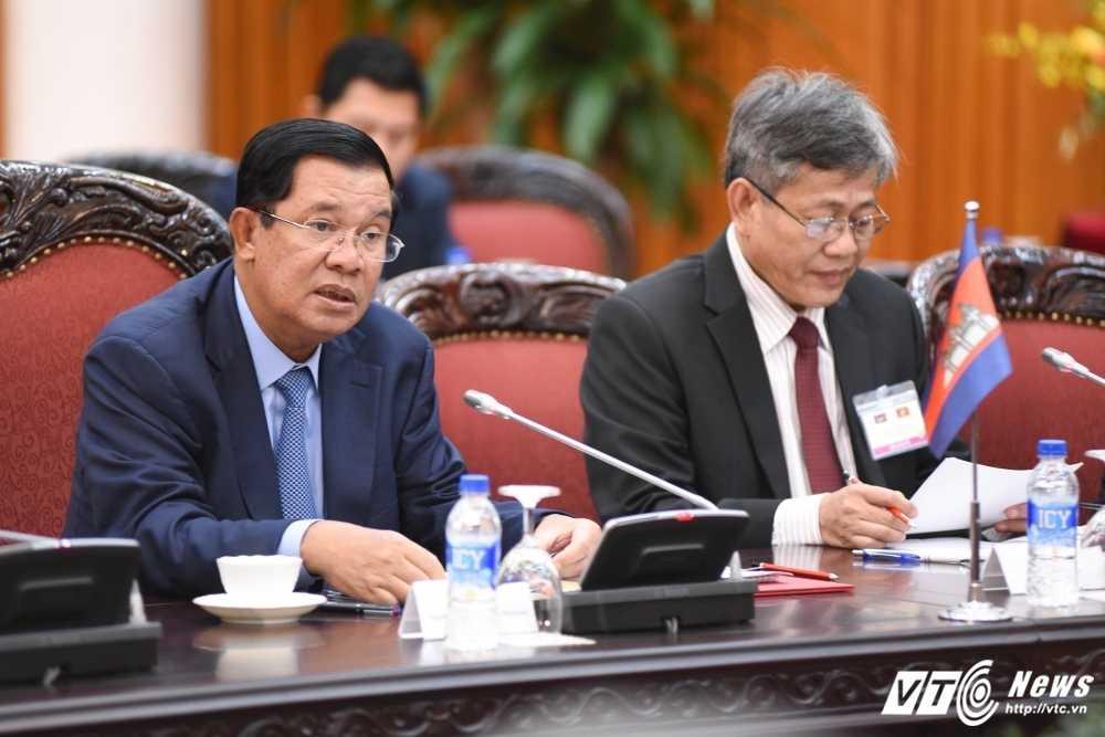 Thu tuong Nguyen Xuan Phuc hoi dam voi Thu tuong Campuchia Hun Sen hinh anh 3