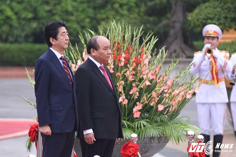 Anh: Le don chinh thuc Thu tuong Nhat Ban Shinzo Abe hinh anh 1