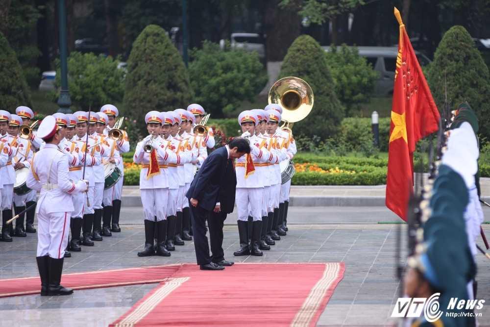 Anh: Le don chinh thuc Thu tuong Nhat Ban Shinzo Abe hinh anh 3