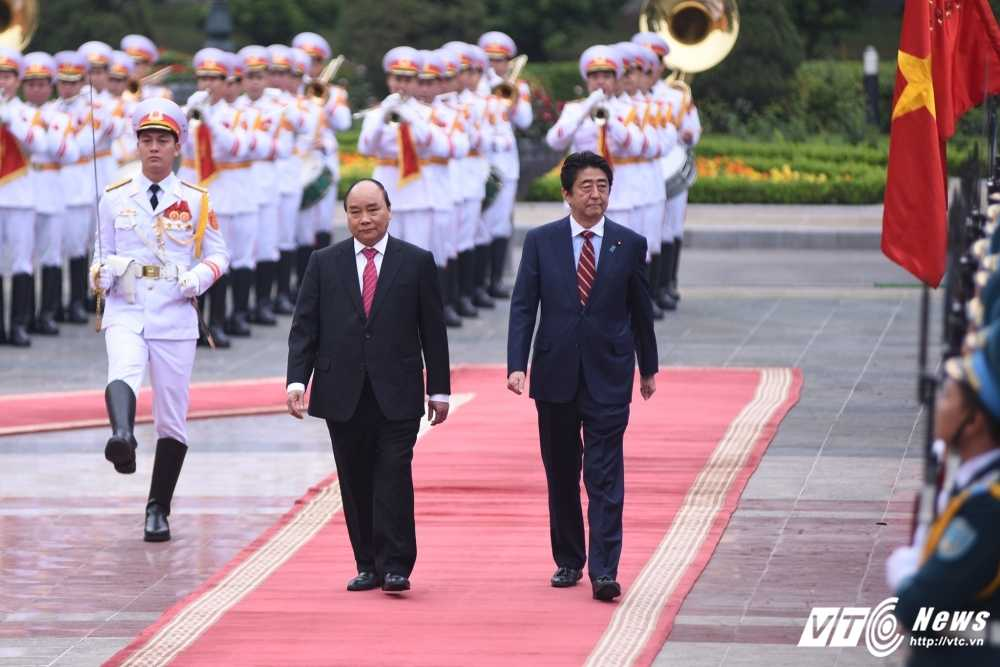 Anh: Le don chinh thuc Thu tuong Nhat Ban Shinzo Abe hinh anh 4