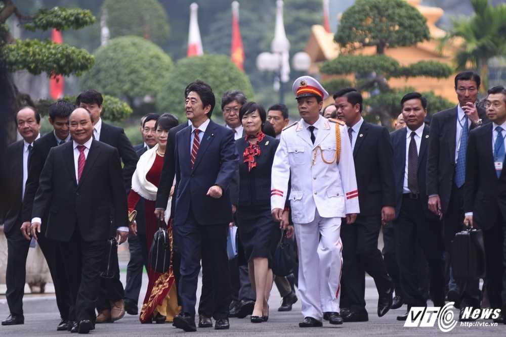 Anh: Le don chinh thuc Thu tuong Nhat Ban Shinzo Abe hinh anh 6
