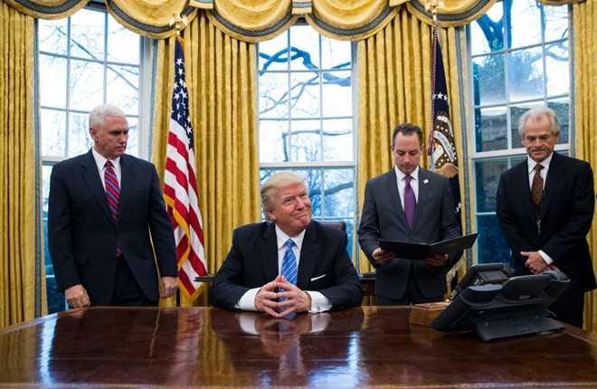 Ong Trump tuyen bo xay tuong thanh ngan bien gioi hinh anh 1