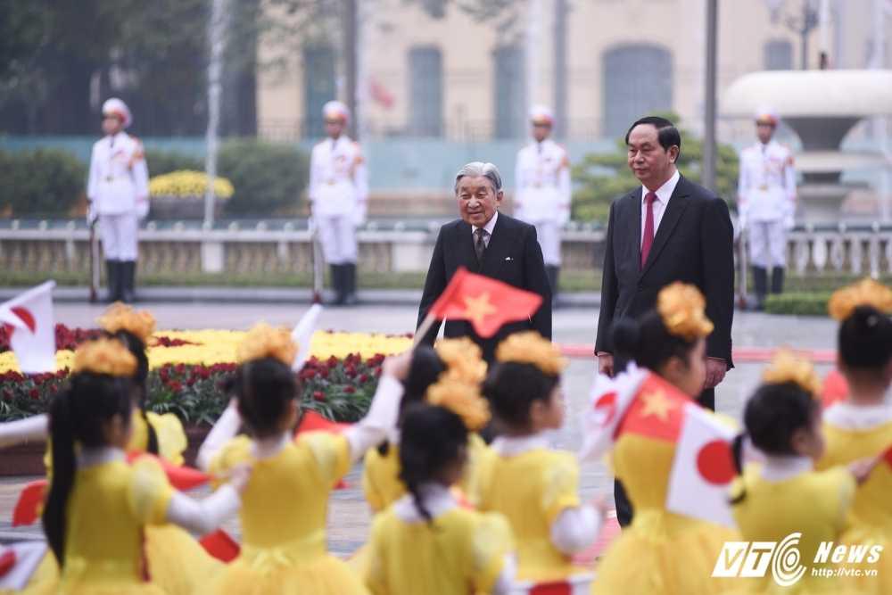 Anh: Le don Nha vua va Hoang hau Nhat Ban hinh anh 5