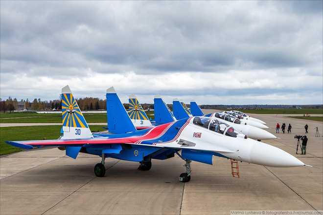 Ro tin phi doi tiem kich da nang Su-30SM sap dap xuong san bay Noi Bai hinh anh 2