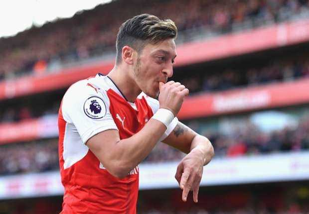 Arsenal mat Oezil o tran 'chung ket' gap Liverpool hinh anh 1