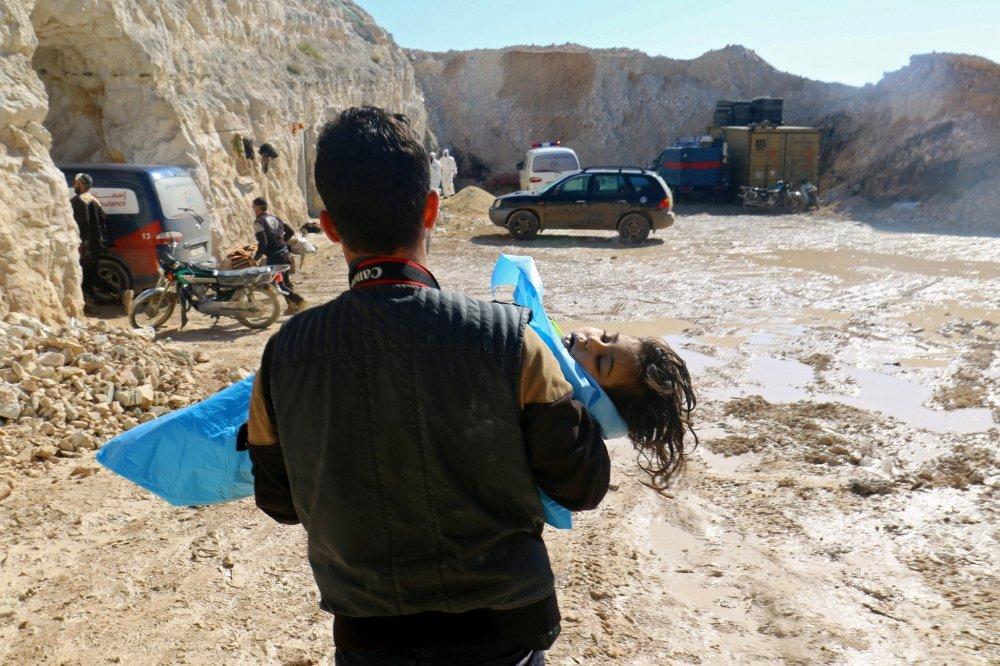 Hon 200 nguoi thuong vong trong vu bom khi doc tai Syria hinh anh 1