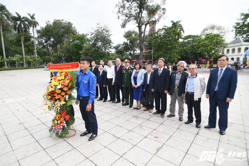 Hoi huu nghi Viet Nam - Lien bang Nga dat lang hoa ky niem 147 nam ngay sinh Lenin hinh anh 2