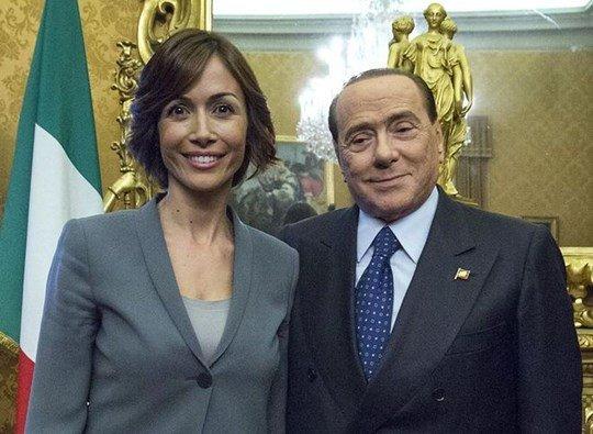 Berlusconi, mot tay vui dap bao doi my nhan hinh anh 3