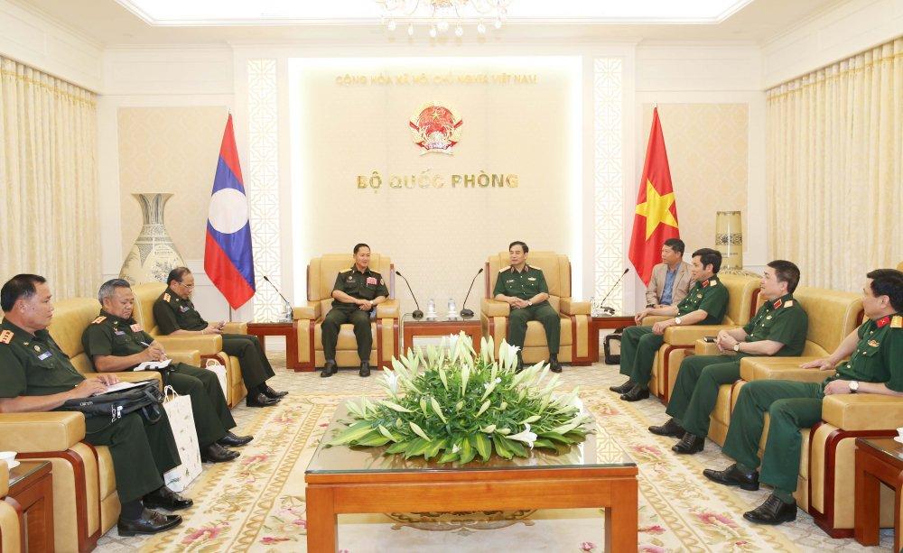 Tong tham muu truong Quan doi nhan dan Lao tham Viet Nam hinh anh 1