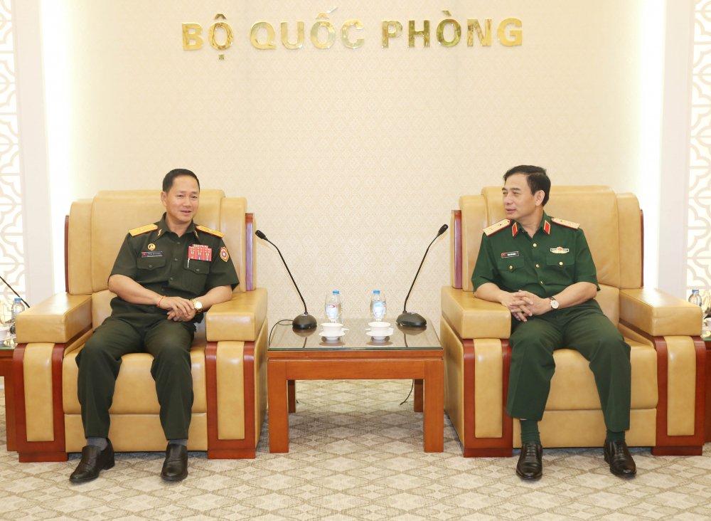 Tong tham muu truong Quan doi nhan dan Lao tham Viet Nam hinh anh 2