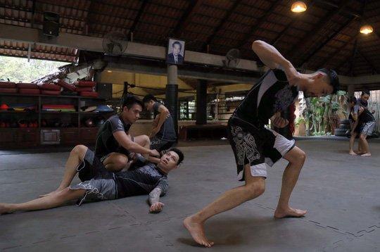 Vo co truyen Viet va MMA, ai hon? hinh anh 1