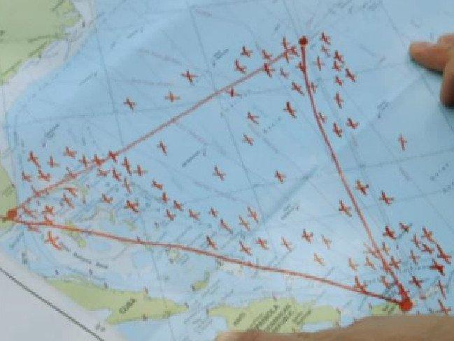 'Tam giac quy' Bermuda vua 'nuot chung' may bay hinh anh 1