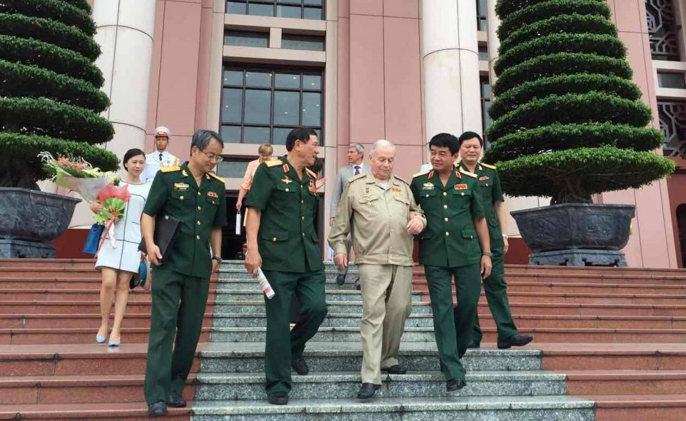 Thuong tuong Vo Van Tuan: Gorbatko ra di khong chi la mat mat… hinh anh 4