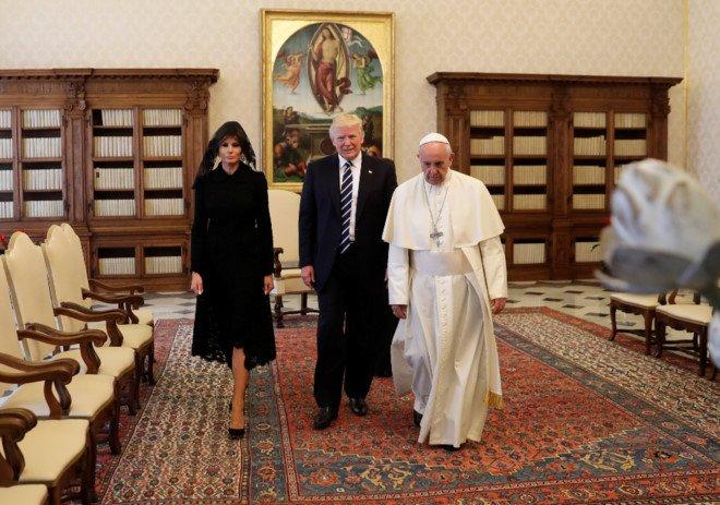 Tong thong Trump gap Giao hoang Francis tai Vatican hinh anh 2