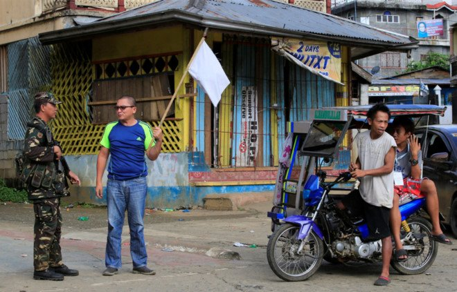 Philippines: Giao tranh IS du doi, dan giuong co trang hinh anh 1