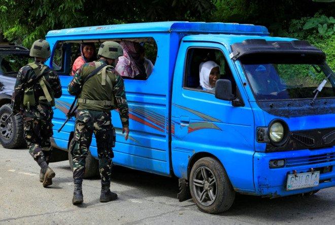 Philippines: Giao tranh IS du doi, dan giuong co trang hinh anh 2