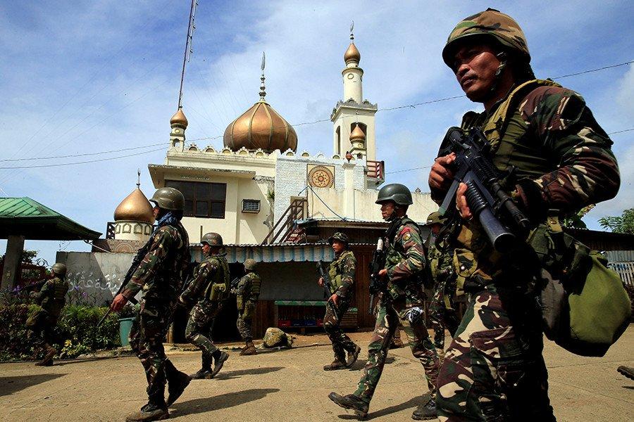 Nhung ten khung bo o tuoi thieu nien tai Marawi hinh anh 2