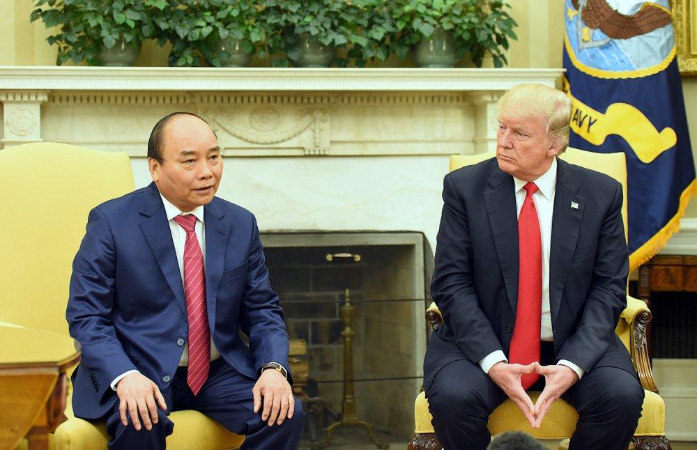 Thu tuong Nguyen Xuan Phuc hoi dam voi Tong thong Donald Trump hinh anh 1