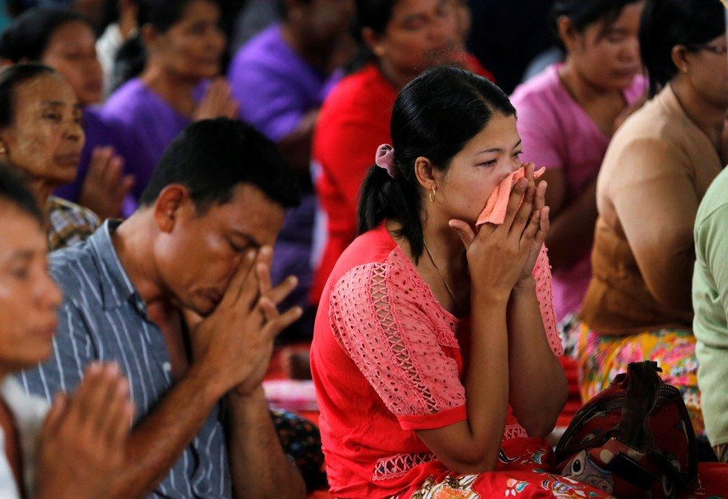 Le hoa tang dam nuoc mat cua cac nan nhan roi may bay Myanmar hinh anh 4