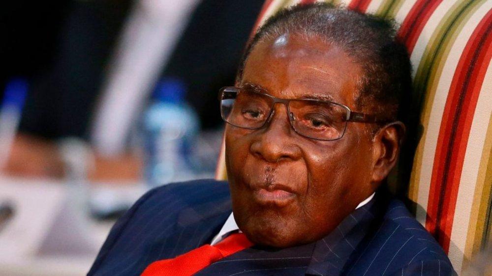 Tong thong Zimbabwe Robert Mugabe dong y tu chuc hinh anh 1